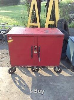KNAACK Steel 2-Door Jobsite Tool Storage/Rolling Cabinet 42 X 39 X 24.5